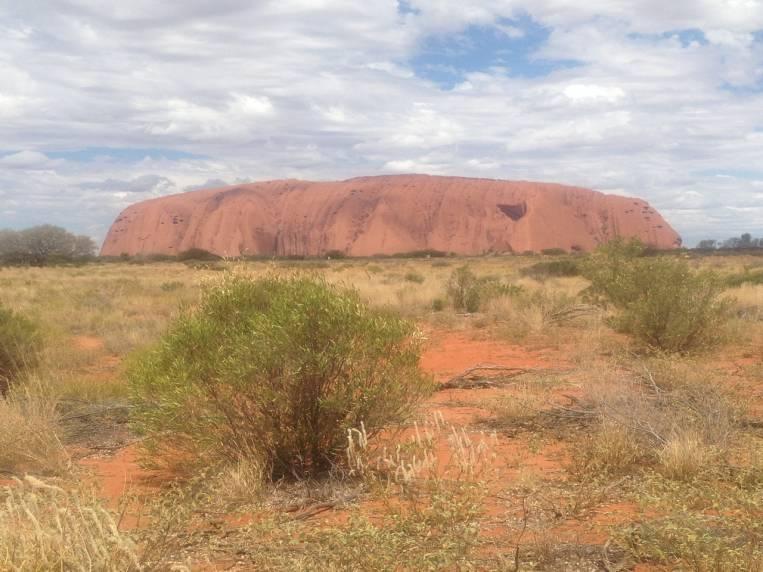 Uluru es una formación rocosa sagrada para los aborígenes australianos.