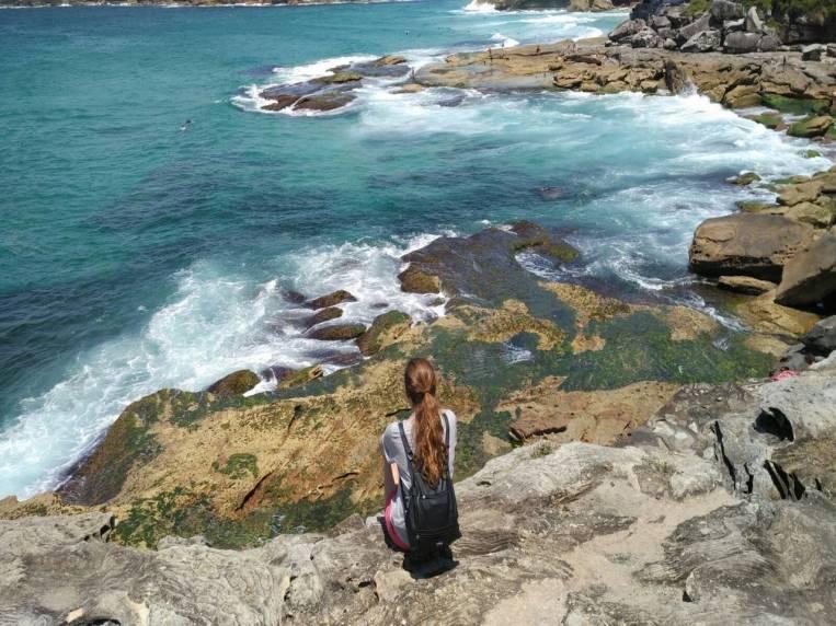 El camino de Coogee Beach a Bondi Beach te deja estampas como esta.