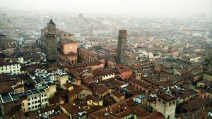 Bolonia a vista de pájaro. Qué ver en Bolonia en dos días: conociendo la ciudad de los soportales.