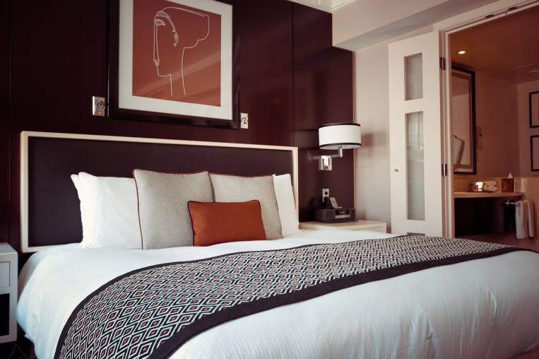 Viajar en temporada baja es una buena forma de encontrar hoteles baratos.