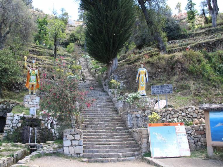 La Escalera del Inca data de tiempos prehispánicos. Coge fuerzas antes de subirla.