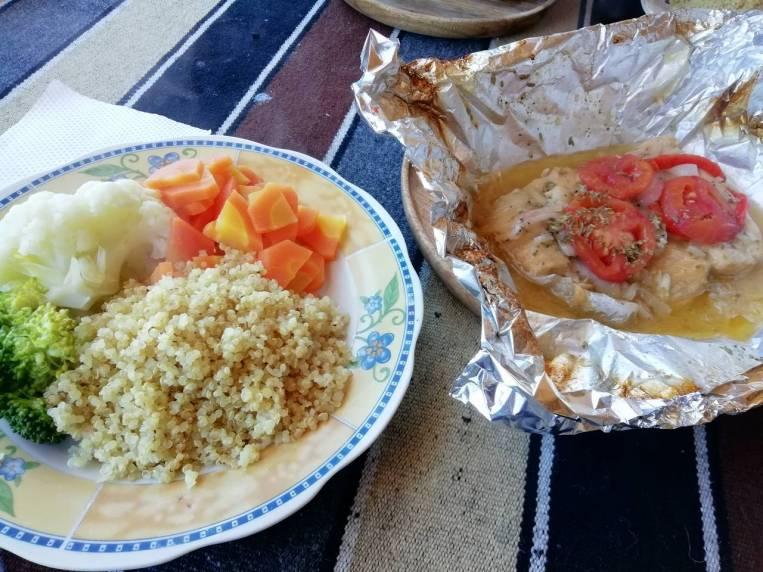 Mi comida favorita en Isla del Sol: trucha en papillote y quinoa con verdura.