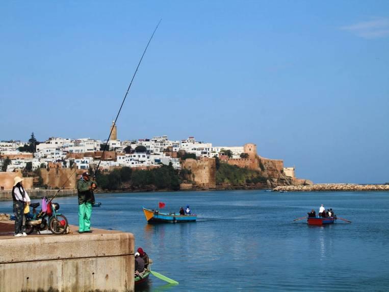 Cómo ir de Salé a Rabat en barca.