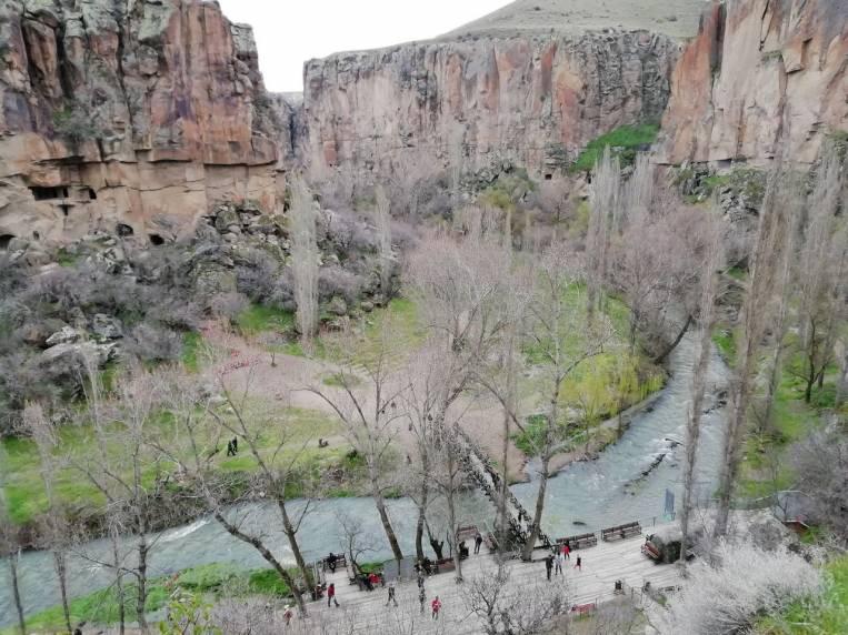 Hacer senderismo por el Valle de Ihlara es una experiencia muy relajante.
