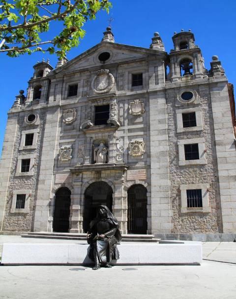 El Convento de Santa Teresa de Jesús es un imprescindible que ver en Ávila en dos días.