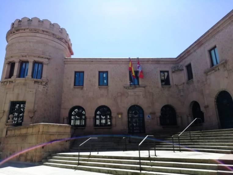 Qué ver en Ávila en dos días: edificio de Hacienda.