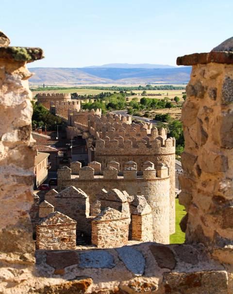 Las mejores vistas que ver en Ávila en dos días las tienes desde su muralla.