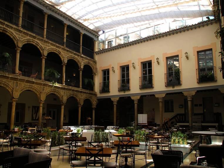 Un plan muy recomendable es ir a tomar café al Palacio de los Velada.