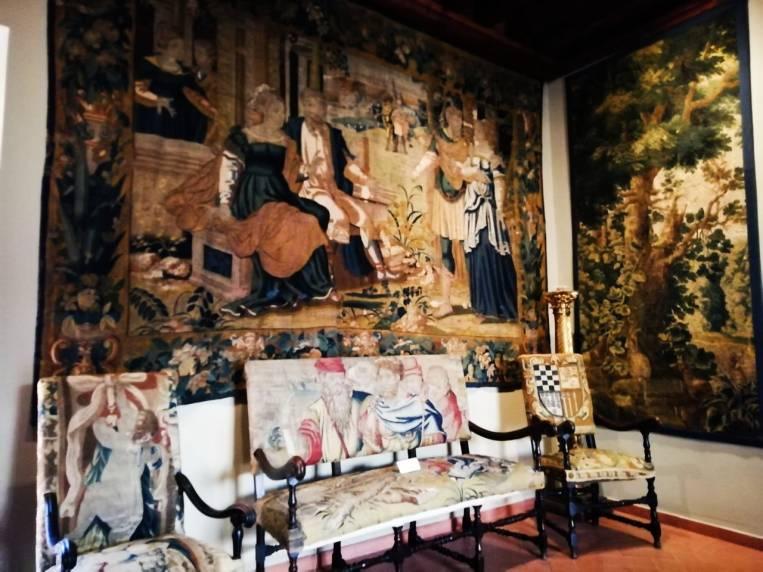 Qué ver en Ávila en dos días: tapices del Palacio de Superunda.
