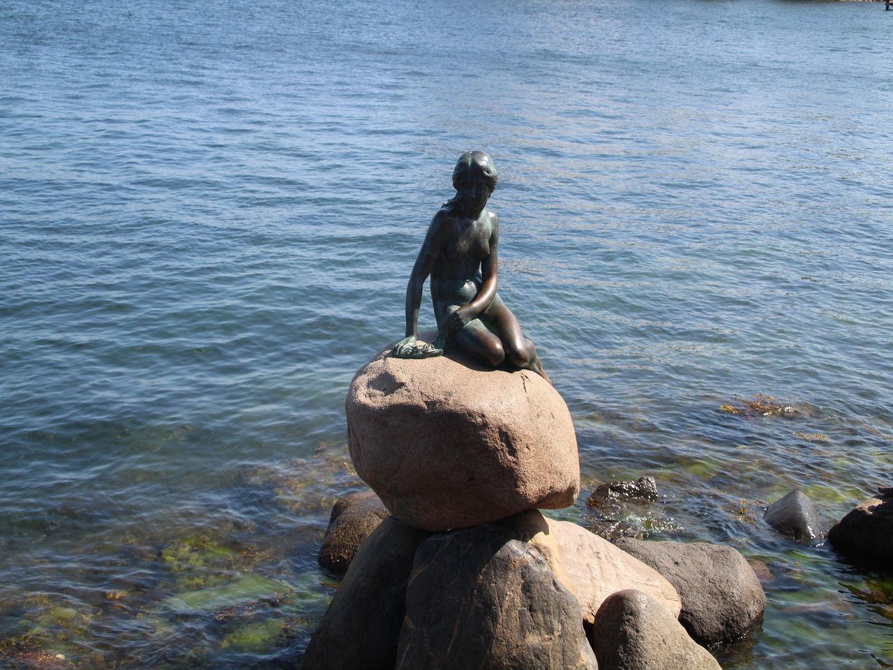 La Sirenita de Copenhague es una imprescindible en tu visita a la capital danesa y una decepción para muchos.