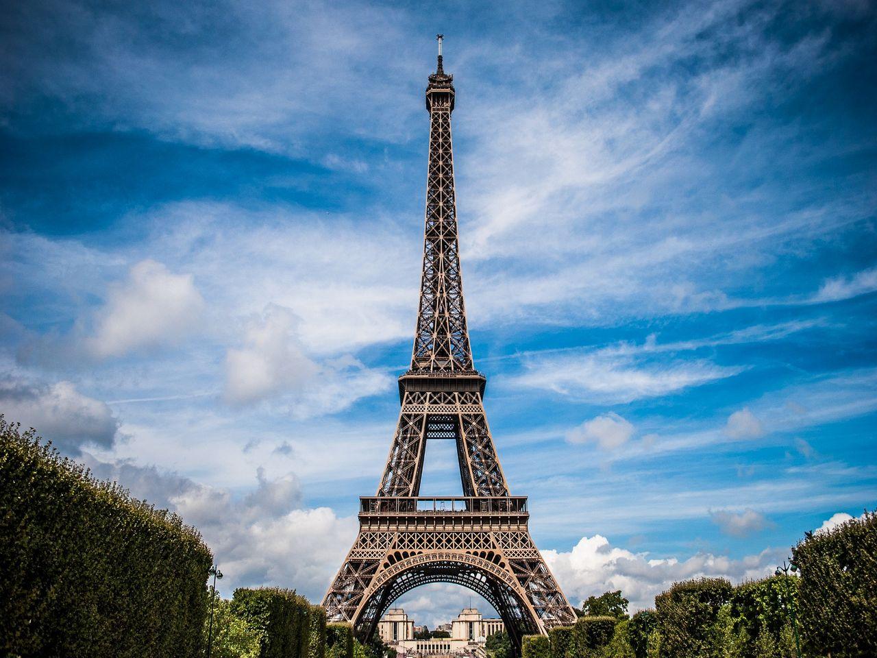 La Torre Eiffel. Imagen de Nuno Lopes en Pixabay.