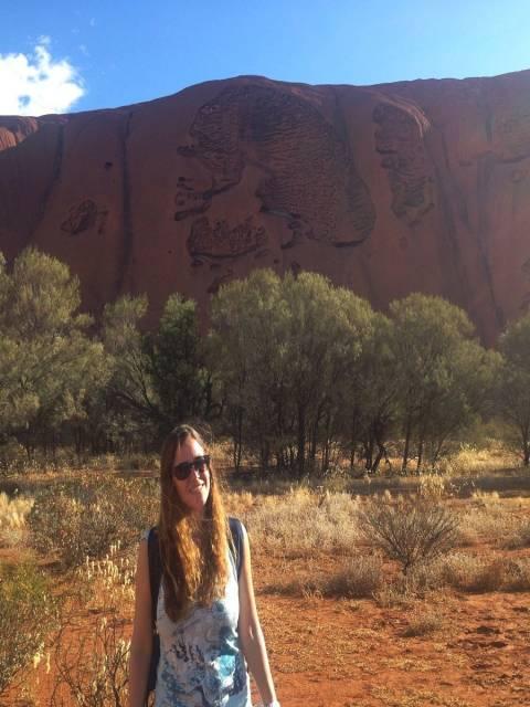 Llama la atención la Calavera en una de las paredes de Uluru.