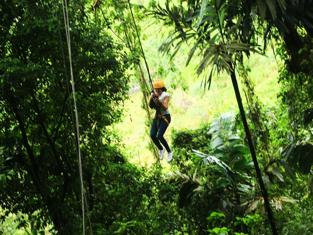 Columpiándome como Tarzán en plena jungla.