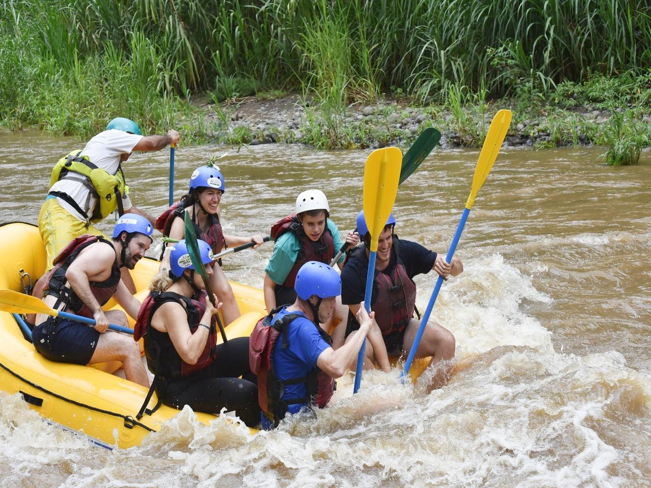 ¡Que volcamos! Cómo me reí haciendo rafting en Arenal.