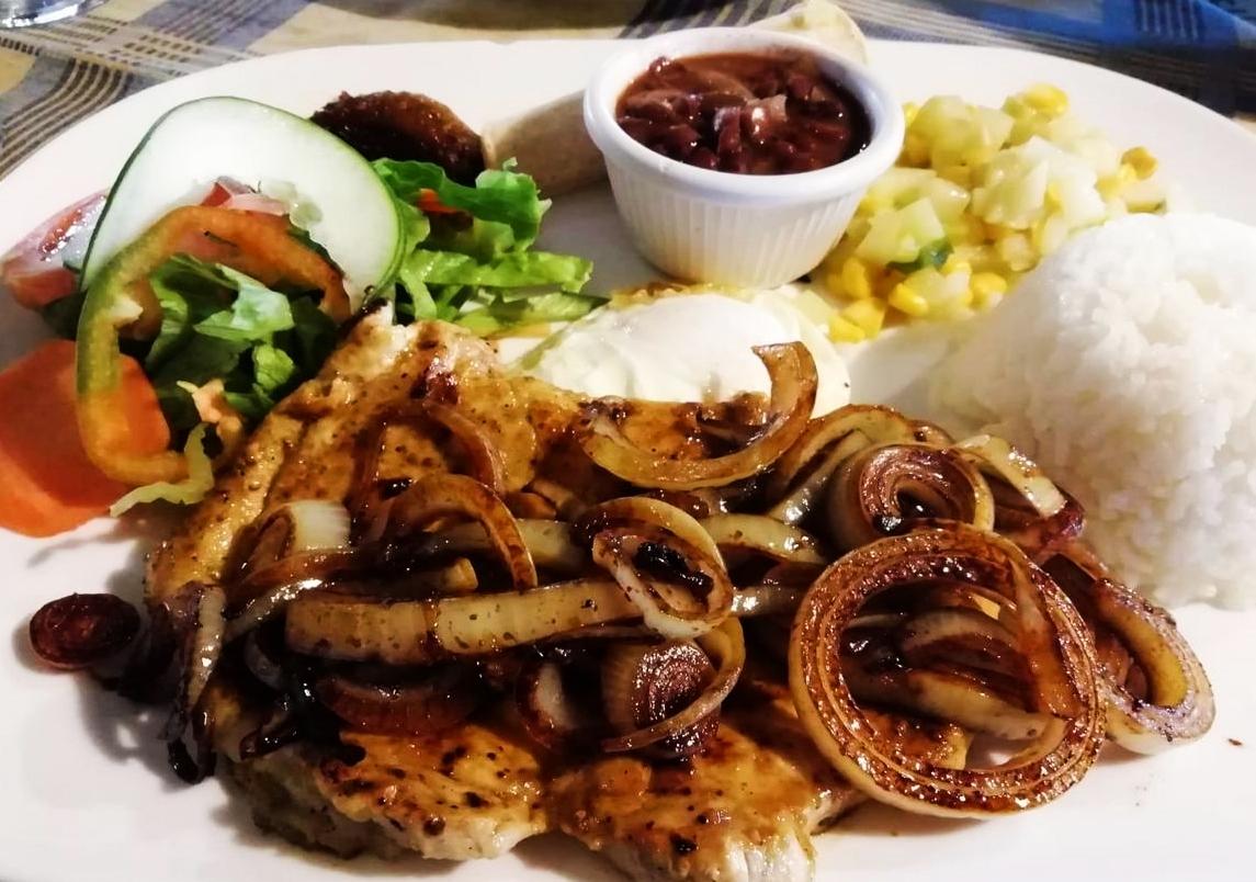 El casado es el plato típico costarricense que tienes que probar sí o sí.