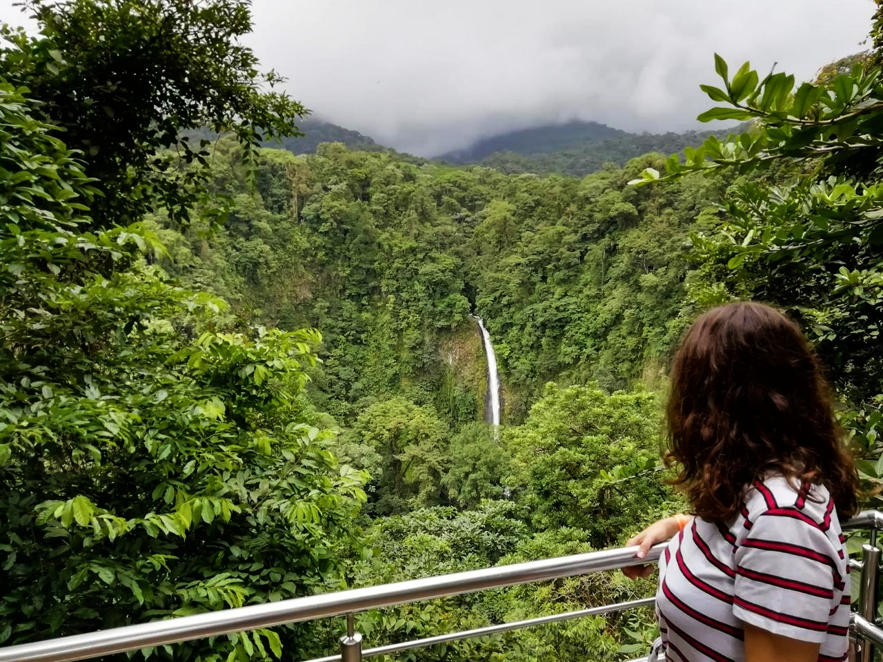 Visitando la Catarata de La Fortuna.
