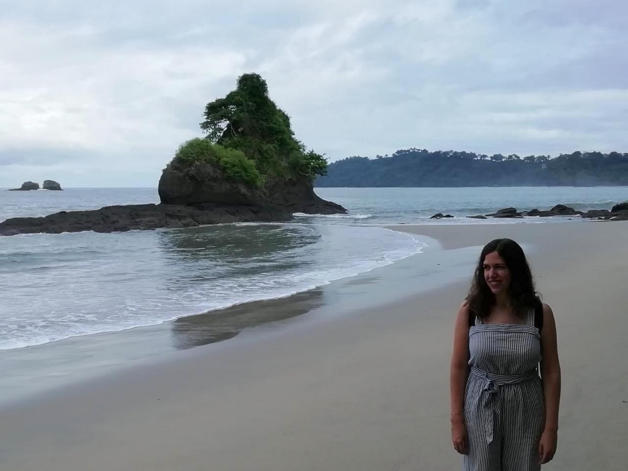 Qué hacer en Manuel Antonio: visitar las playas.