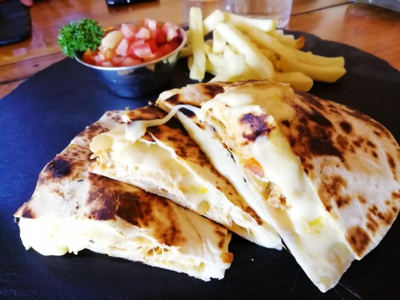 Dónde comer en La Fortuna: Pollo Fortuneño.