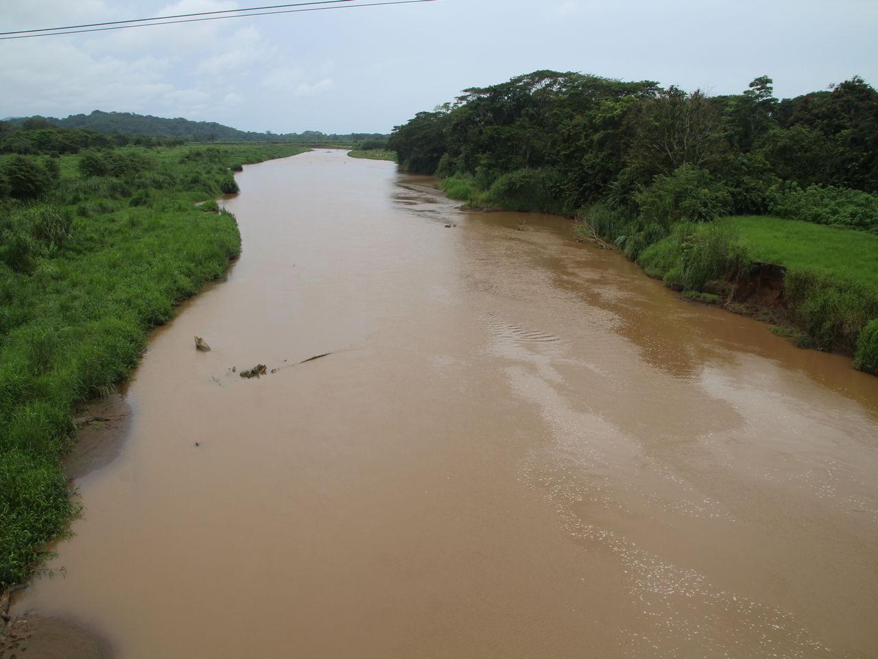 El río Tárcoles es uno de los ríos de Costa Rica más contaminados.
