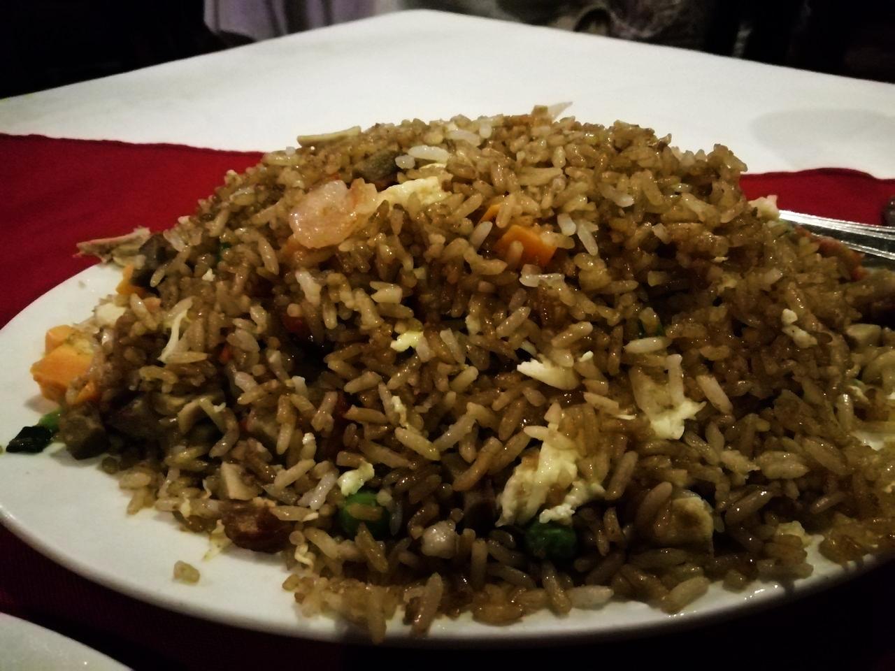 Arroz frito, una apuesta segura en Lung Fung, restaurante barato en Ciudad de Panamá.