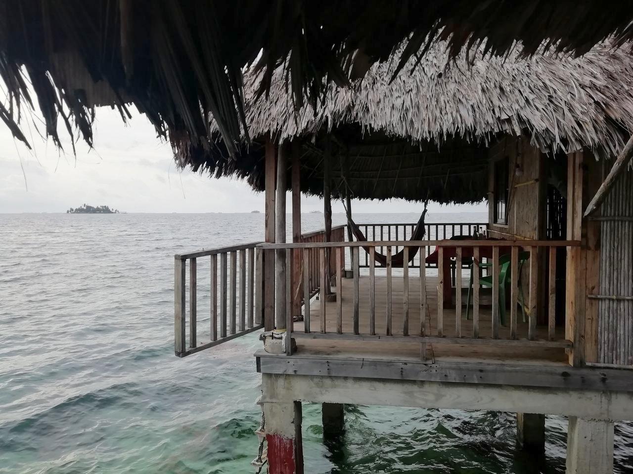 Islas de San Blas en dos días: cabañas sobre el mar.