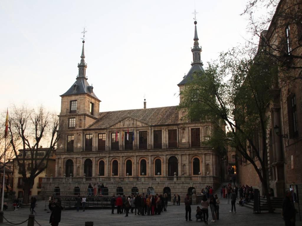 Qué ver en Toledo: Plaza del Ayuntamiento.