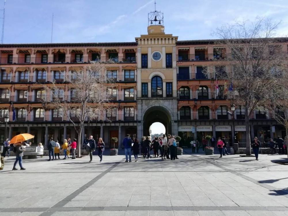 La Plaza de Zocodover la recorrerás varias veces en tu escapada por Toledo en dos días.