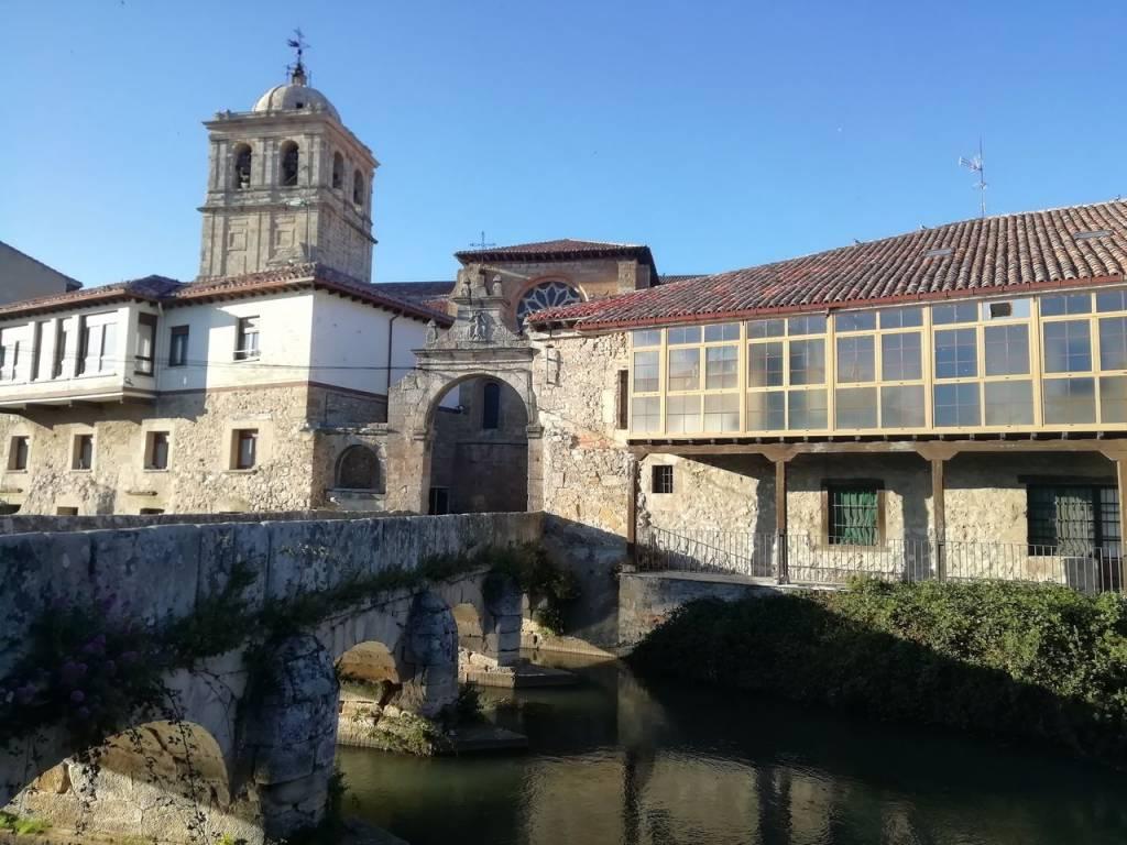 Ruta por el románico palentino en dos días, con parada en Aguilar de Campoo.