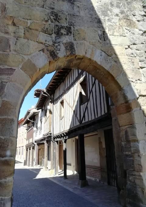 Imprescindibles en la ruta del románico palentino en dos días: Aguilar de Campoo.