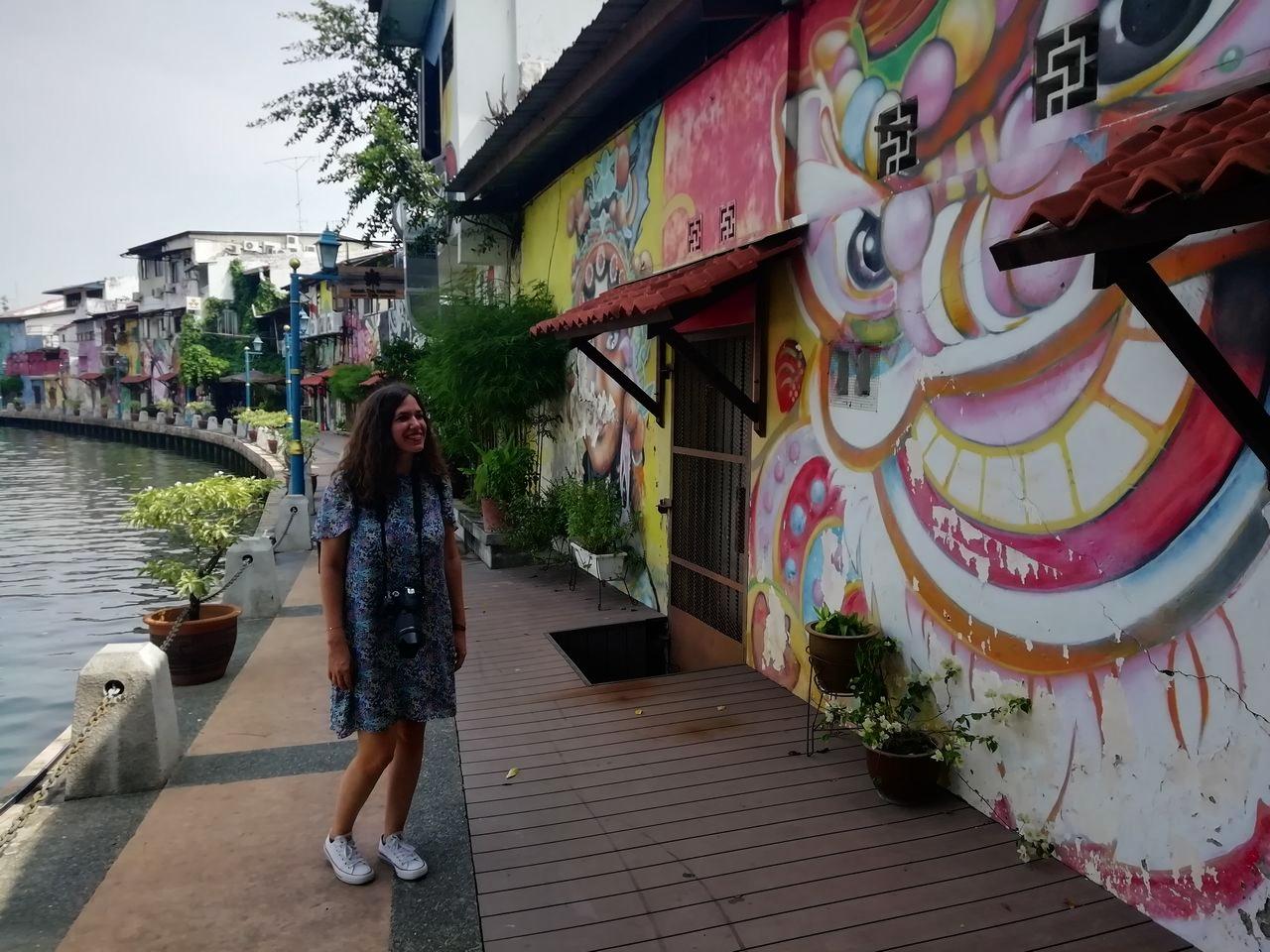Qué ver en Malaca: arte urbano junto al río.