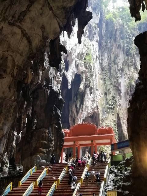 Cuánto se tarda en visitar las Batu Caves dependerá del medio de transporte que escojas y del número de cuevas que visites.