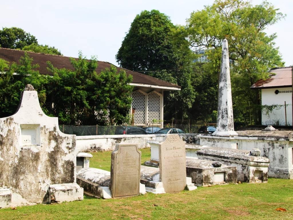 El cementerio holandés es uno de los imprescindibles de Malaca.