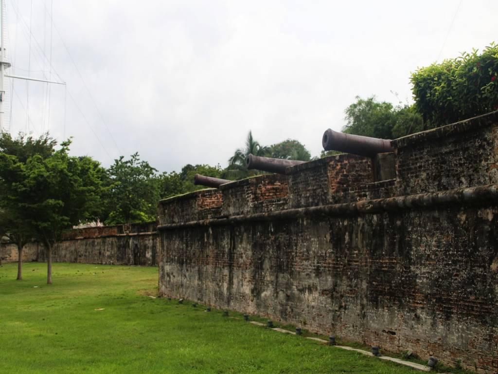 El Fuerte de Cornwallis se encuentra junto a la Esplanade, una zona muy agradable para pasear.
