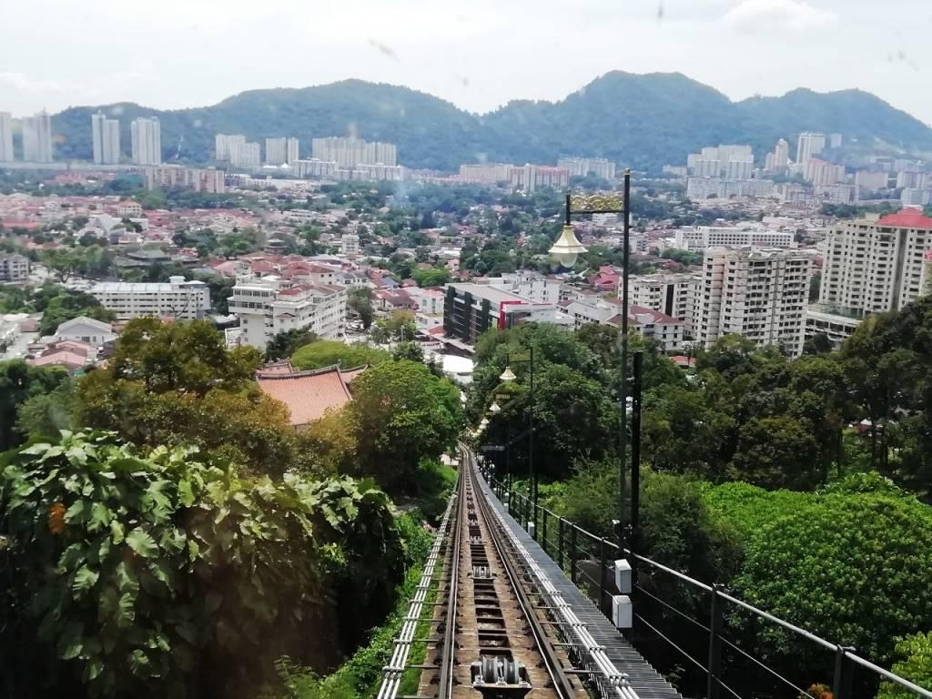 Cuánto cuesta un viaje a Malasia: funicular para subir a Penang Hill.