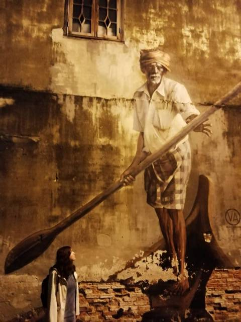 Street art en Penang: el barquero indio.
