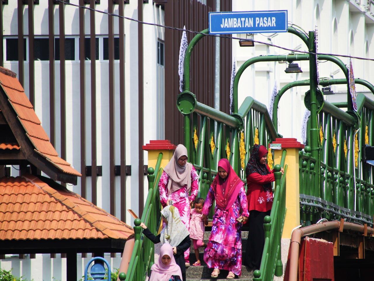 Jambatan Pasar es un puente con vistas espectaculares al río de Malaca.
