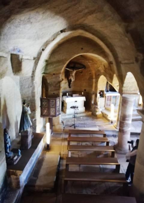 Interior de la iglesia de los Santos Justo y Pastor en Olleros de Pisuerga.