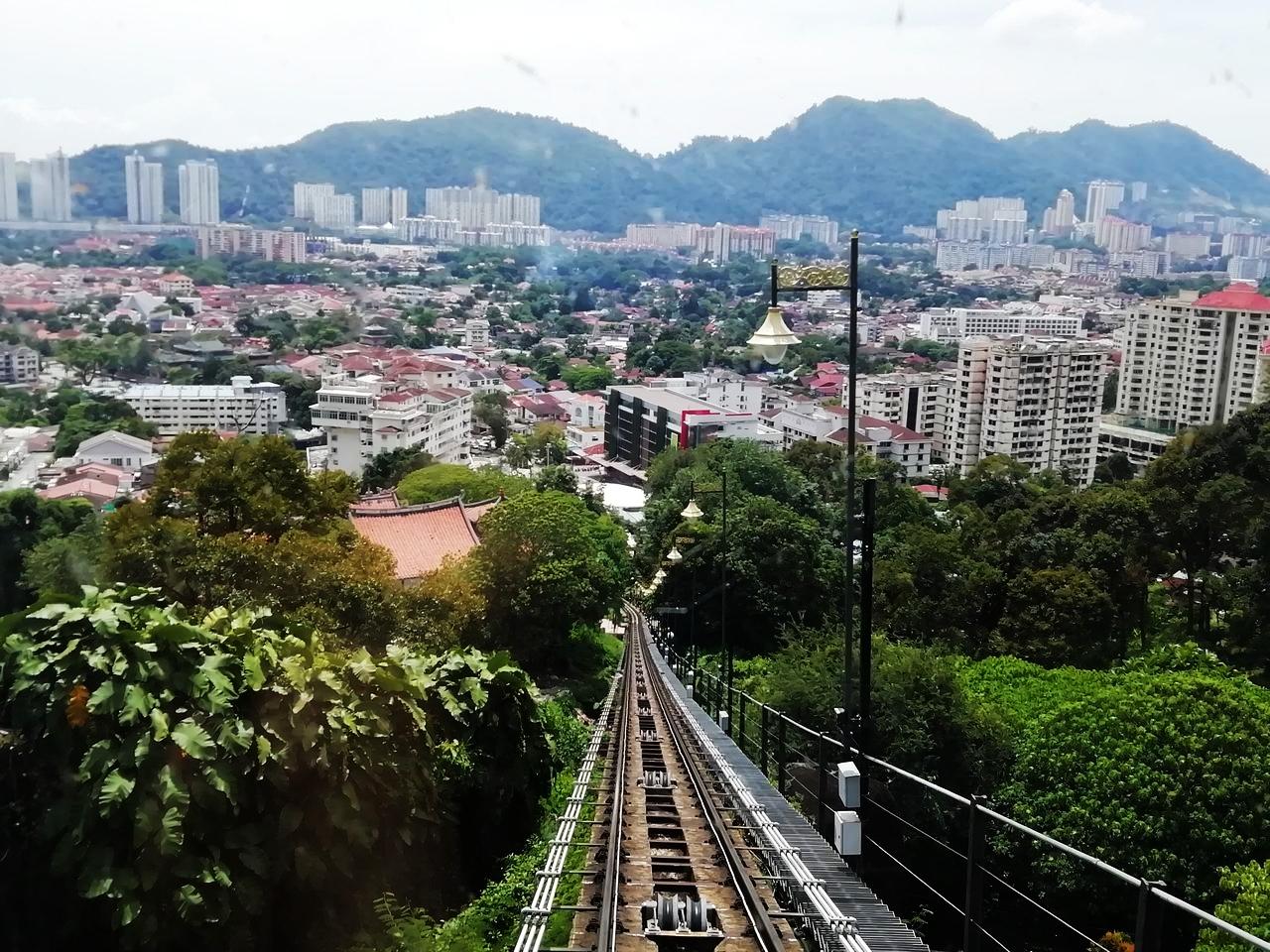 Subir en funicular a Penang Hill es de las mejores experiencias que hacer en Penang en dos días.