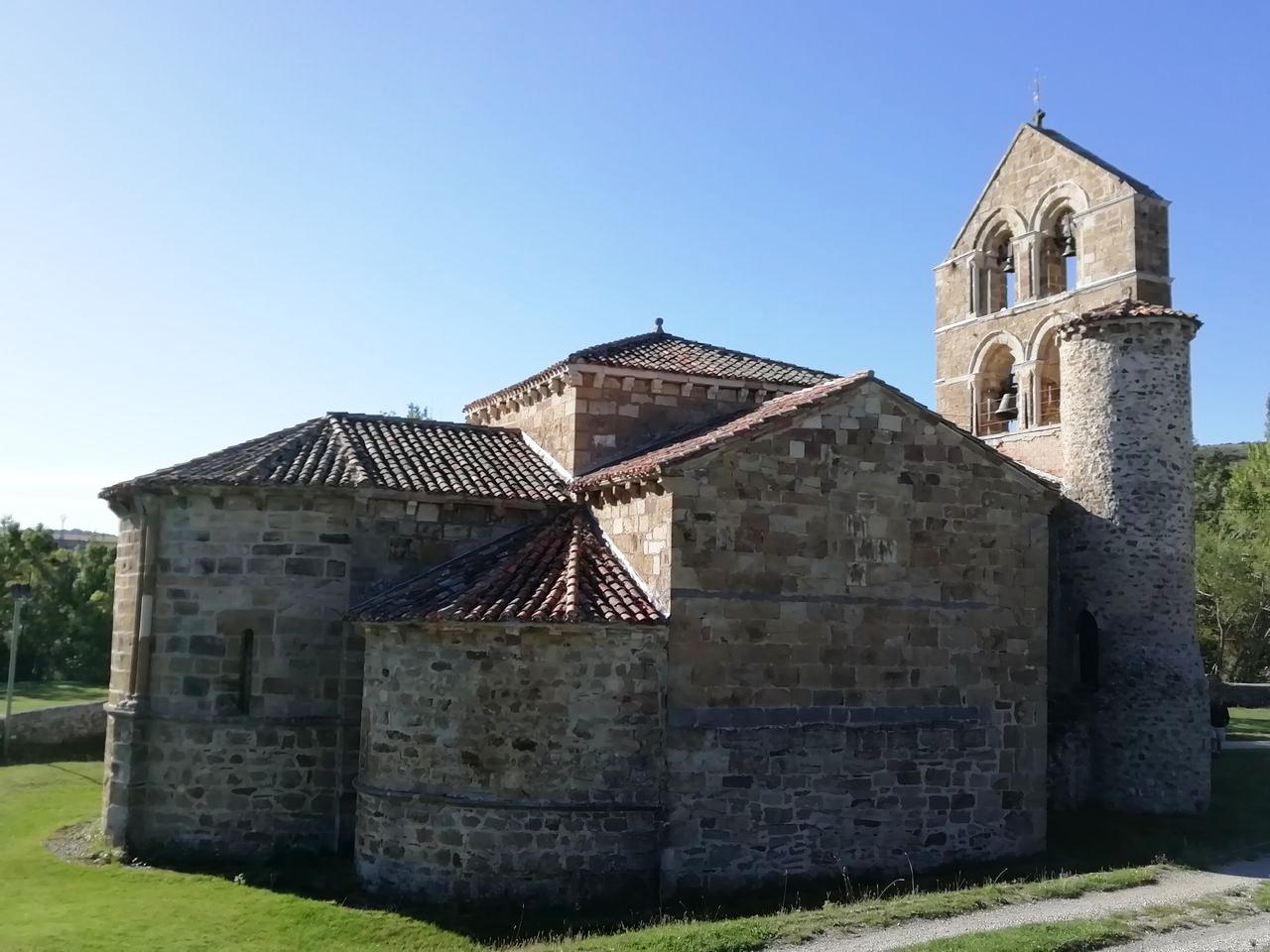 San Salvador de Cantamuda, uno de los imprescindibles en tu ruta por el románico palentino.