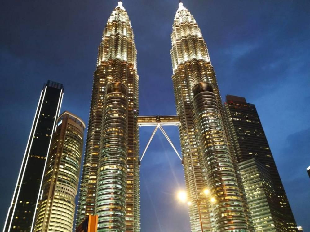 Cuánto cuesta un viaje a Malasia: subir a las Torres Petronas.