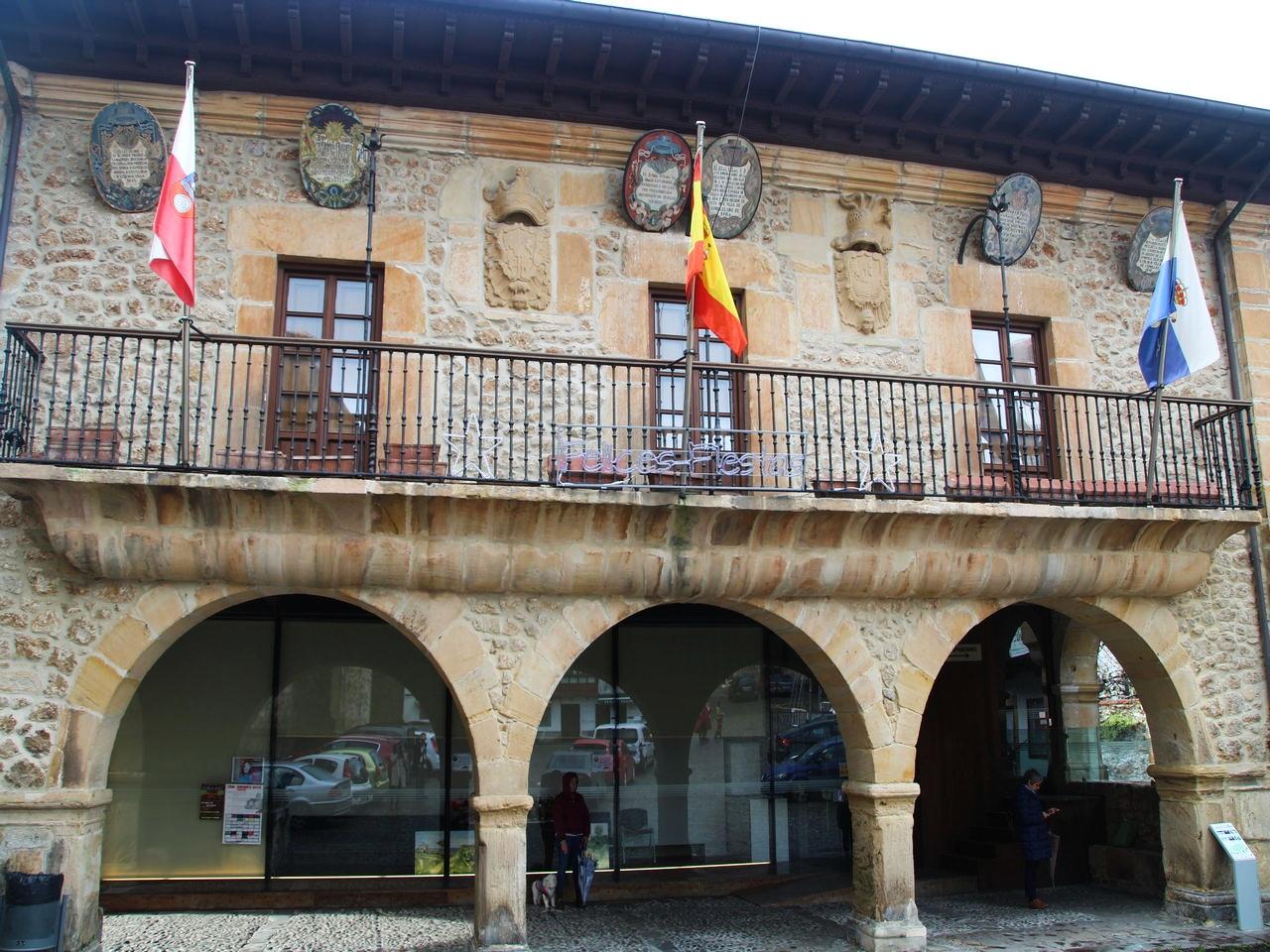 Antiguo ayuntamiento en el casco antiguo.