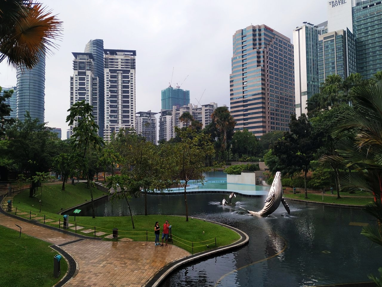 KLCC Park... Porque no todo iba a ser asfalto en la capital malaya.