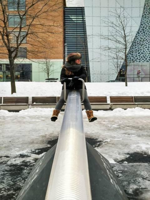 Luminothérapie son plataformas interactivas que montan en invierno al aire libre para entrar en calor.