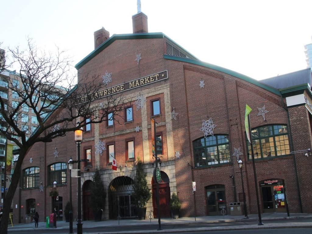 St. Lawrence Market fue elegido el mejor mercado de comida del mundo por National Geographic.