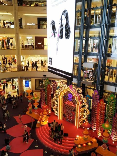 Kuala Lumpur lista para celebrar el Deepavali, el festival hindú de las luces.