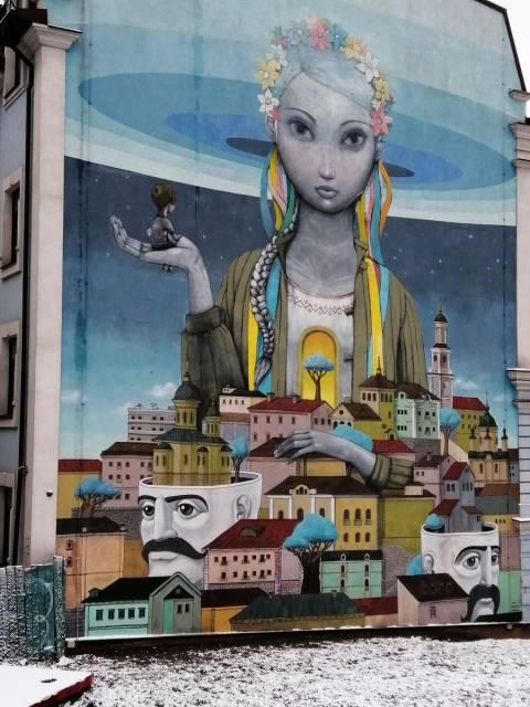 No esperaba encontrarme con increíbles murales de arte urbano en Kiev.