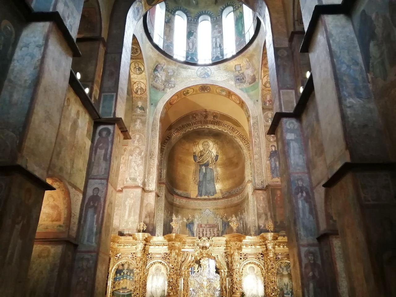 Los frescos que hay en el interior de la Catedral de Santa Sofía son espectaculares.