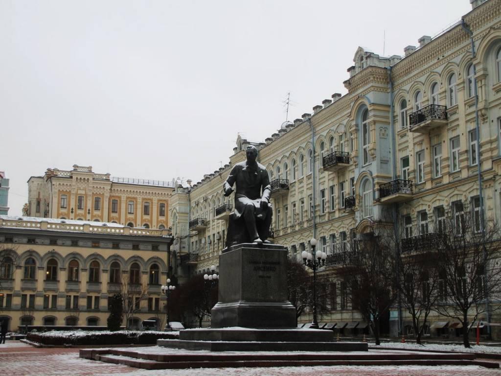 Kiev tiene infinidad de edificios neoclásicos, como los de los alrededores de la Ópera Nacional.