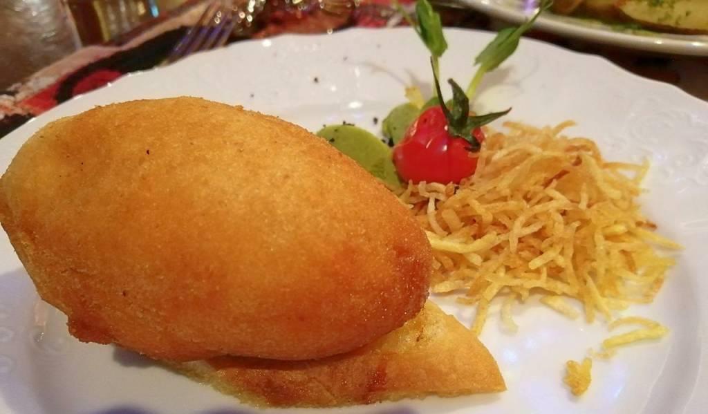 El pollo Kiev es otra comida típica de Ucrania.