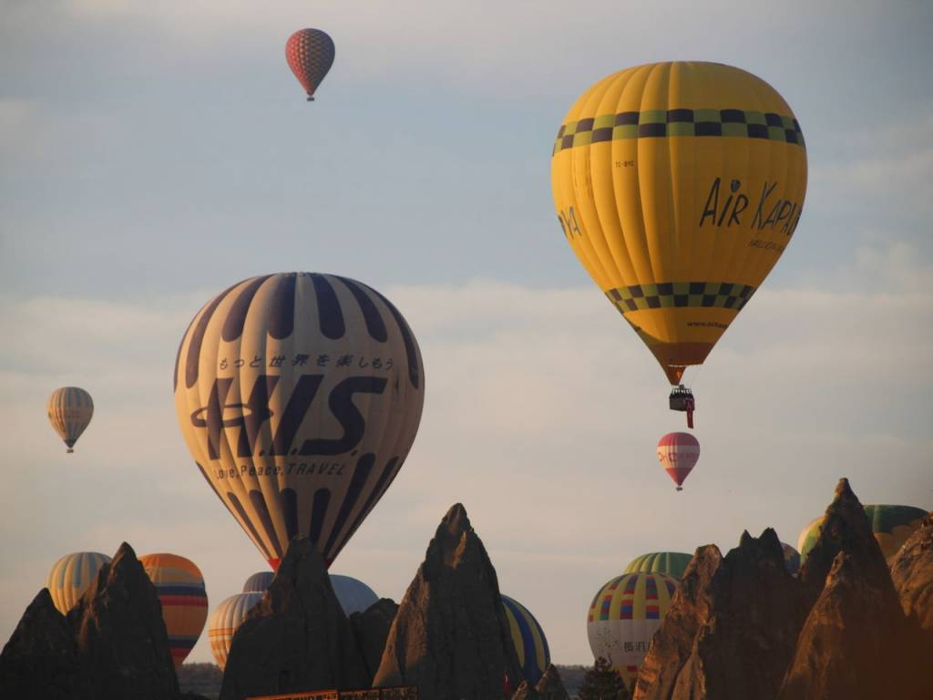 Volar en globo es el sueño de muchos cuando viajan a Capadocia.